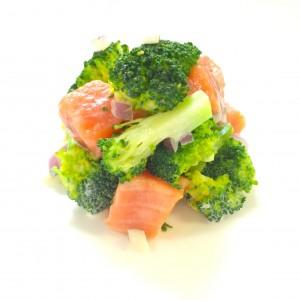 ブロッコリーと鮭の燻製のタルタル